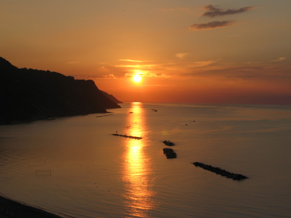 Magnifico tramonto sul mare da Baia Flaminia