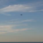 Aereo in primo piano nel cielo in Baia Flaminia