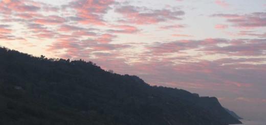 Nuvole al tramonto sopra il Monte San Bartolo