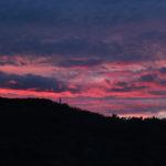 Nuvole colorate al tramonto sul San Bartolo il 7 marzo 2017