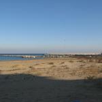 Spiaggia e porto dalla Baia Flaminia