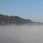 Un mare di nebbia copre il San Bartolo