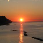 Splendido tramonto sul mare in Baia Flaminia