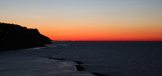 Rimini infuocata e con le sue luci al tramonto nella serata del 27 agosto 2016