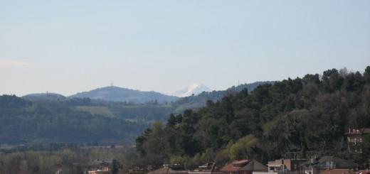 Visuale del Monte Catria da Baia Flaminia
