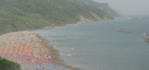 Tempesta di vento e sabbia in Baia Flaminia